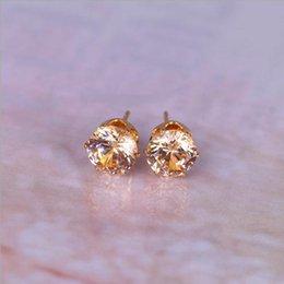 Zirconi cubici di champagne online-Monili di modo 18K oro giallo placcato Champagne Cubic Zirconia CZ 8mm Mini orecchini piccolo
