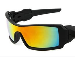 Resine a buon mercato online-A buon mercato Sport all'aria aperta Occhiali da sole siamesi Moda Occhiali da sole Uomo Donna Marca occhiali da sole di marca 6 colori Eyewear Spedizione gratuita