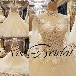 Grande robe à col en Ligne-Real Photos la plupart des robes de mariée magnifiques en dentelle Big Ball robe Crystal Bling arabe col haut manches longues Dubaï robes de mariée