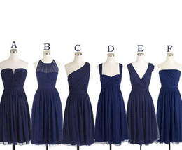 Wholesale Cheap Strapless Dresses Same Color - Short Bridesmaid Dresses Navy Blue Chiffon Bridesmaids Dress Mismatched Maid Of Honor Dress Girls Group Knee Length Simple Cheap Prom Dress