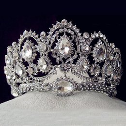 Tiara de cristal quinceanera on-line-Atacado-European Vintage Tiaras Prata Nupcial Jóias Quinceanera Rhinestone Cristal Coroas Pageant Casamento Acessórios Para Cabelo Noivas