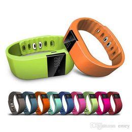 Подгонка бит умные часы онлайн-Бренд Smart Watch TW64 Smart Bracelet Bluetooth4.0 Sleep Monitor Fit Bit Activity Tracker Smart Wristband Pulsera для IOSAndroid
