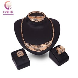 Wholesale gold costume bracelets - Jewelry Sets For Women Wedding Party Necklace Set Fashion Rhinestone 18K Gold Plated Leaves Pendant Costume Bridal Accessories