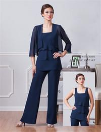 Traje de pantalón de madre azul marino oscuro online-Vestidos de madre de la gasa azul marino oscuro de la novia con la chaqueta Vestidos de las madres de espagueti trajes de tobillo Vestido de noche de la longitud
