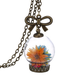 Wholesale dried flowers glass - 2016 Creative Fashion Jewelry Romantic Glass Necklace Dried Wild Flowers Glass Necklace Micro Landscape Scene Gold Plated Necklace 160517
