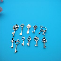 Wholesale Tibetan Key Charms - Mixed Tibetan Silver Key Charms Pendants Jewelry Making Bracelet Necklace Fashion Popular Jewelry Findings & Components Accessories DIY V170