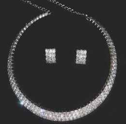 asiatische brautschmucksachen Rabatt Strass Brautschmuck Sets Jäten Kleid Zubehör Ohrring Halskette Vintage Statement Braut Halskette Earrring Schmuck HT130