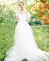 Wholesale Modest White Wedding Dresses - Simple Princess White Wedding Dresses Off the Shoulder A-line Tulle Gowns for Bride Ruched Sweetheart Backless Flowy Bridal Dress Modest