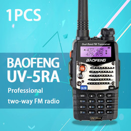 Dual-band-schinken-radio-transceiver online-Großhandel- (1 Stück) Baofeng UV5RA Ham Two Way Radio Walkie Talkie Dual-Band-Transceiver (Schwarz)