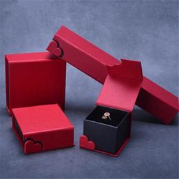magnetische armbänder halsketten Rabatt Hohe Qualität Herz Schmuckschatulle Für Halskette Ohrringe Ring Armband Armreif Anhänger Verpackung Express My Love Samt Innen Magnetic Close