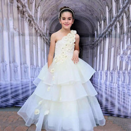 Wholesale Christmas Cup Cakes - White Flower Girls Dresses With Handmade Flowers One Shoulder Sleeveless Cup Cake Dresses Tiered Back Zipper Custom Made Formal Party Gowns