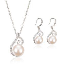 Conjuntos de joyas nupciales Las más nuevas mujeres collar de perlas de cristal Conjunto de joyas 925 Cadena de plata collar 12pcs Venta desde fabricantes