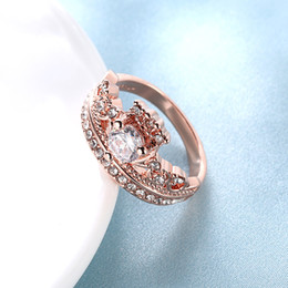Wholesale Crown Rings For Girls - Female Crown Ring Rose Gold Wedding Rings with Gift Box Jewelry For Girls Classical Wedding Party ring Clear White Stone RG-010