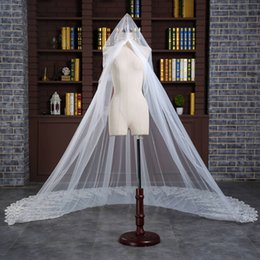 Wholesale Top Wedding Veils - 2017 Luxury Applique Beads Tulle Wedding Bridal Veils Chapel Length Wedding Gowns Bridal Accessories Top Quality