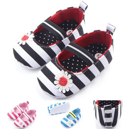 Wholesale Pretty Shoes - Hot Toddler Walking Shoes for Girls Pretty Striped Soft Cotton Fabric Upper with Flower Knot Elastic Band