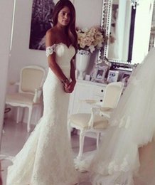 Wholesale Mermaid Dress Bustle - Off The Shoulder Mermaid Wedding Dresses 2017 Lace Wedding Gowns Fit and Flare Bustle Tail Bridal Dresses
