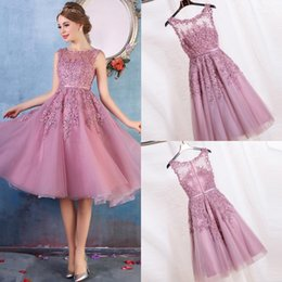Wholesale lace evening dresses knee length - 2017 Cheap New Crew Neck Lace A Line Knee Length Homecoming Dresses Organza Applique Beaded Short Cocktail Party Dress Evening Gowns CPS298