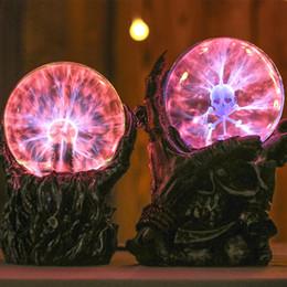 esfera de luz de navidad Rebajas Venta al por mayor- USB Skeleton mano bola mágica Ion Esfera electrostática Luz Cristal Lámpara Fiesta de Navidad Toque Sensible Luces Magia Mood Nigh