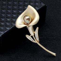 Wholesale Imitation Gold Upscale - New female corsage lily brooches beatiful brooch garment accessories pearl flower brooch upscale scarves pin buckle lily flower brooch