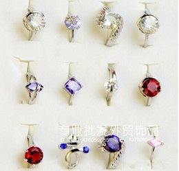 Wholesale Cheap Silver Rings Women - Fashion Simulation Zircon Finger Ring Popular Costume Glass Diamond Alloy Rings Jewelry For Women Cheap Sale