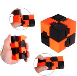 2017 nouveau style 4 cor infinity bube Gears Rotation Puzzle Autocollants Adultes Enfant 's jouet éducatif Cube magique ? partir de fabricateur