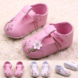 Wholesale Hot Pink Infant Shoes - Hot Wholesale Sweet PU Leather Embroidery Flower Hook & Loop T-bar Strap Baby Girl shoes infant first walker shoes Three Colors