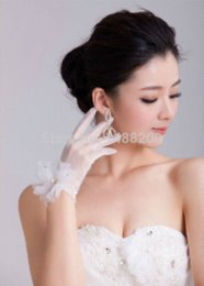 Wholesale Bridal Glove Ivory - 2015 New Short Wrist Gloves with Flowers Tulle See Through Wedding Bridal Fingers Gloves White Ivory Color Luvas Para Noivas