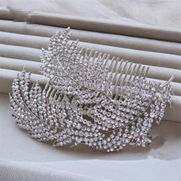 Wholesale Vintage Comb Crowns - Vintage Lady Comb Fashion Elegant Wedding Bridal Crystal Rhinestone Pearl Gold Leaf Hair Accessories Headband Crown Tiara Jewelry Suppliers