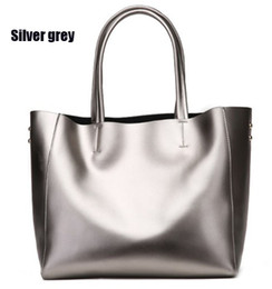 Wholesale flow large - Euripe fashion women leather shoulder bags super large volume casual shopping bags soft smooth leather perfect work flowing colors