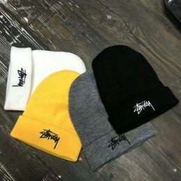 hombres mujeres invierno beanie hombres sombrero casquillo de punto casual sombreros hombres deportes cap negro gris blanco amarillo hight quality skull caps desde fabricantes
