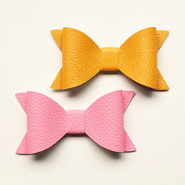 accessories felt Promo Codes - 10*5cm NEW Imitation Leather Big Size Bows Design Kids Hairpins Handmade Aritificial Felt Kids Hair Clips Lovely Bowknot Hair Accessories