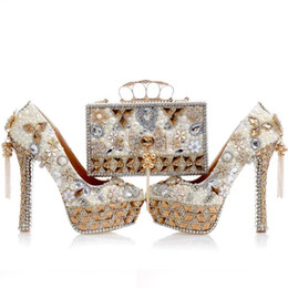 Wholesale Shoes Crystal Pumps Wedding - 2017 Newest Design White Pearl Wedding Shoes with Matching Bag Gorgeous Handmade High Heels Women Crystal Bridal Shoes