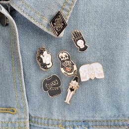 Wholesale Wholesale Goth Jewelry - Hard enamel pins Goth punk skull brooch lapel pin Halloween pin button badges Jewelry for him Cool gifts