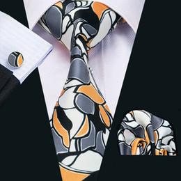 gemelli di cravatta arancione Sconti Mens Silk Ties Novità Grigio Arancione Bianco Geometrico Affari Wedding Neck Tie Set Include Cravatta Gemelli Hankerchief Freeshipping N-1218