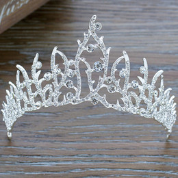 Wholesale Royal Hairs - High Quality Clear Glass Crystal Bridal Tiara New Arrival Wedding Party Crown Hair Accessories Unique Design Shinny Royal Crowns