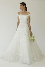 Wholesale Oscar Renta - Oscar de la Renta Bridal Dresses Fall 2015 Full Lace Wedding Gowns Off Shoulder Amal Alamuddins A line Wedding Dresses Modest High Quality