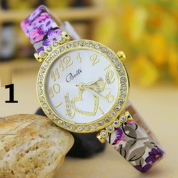 Wholesale Love Watch Wristwatches - Hot New Wholesale love letter Ms. women girl belt fashion quartz watch dial Wristwatch Fashion Women Watch