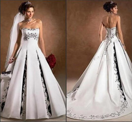 Wholesale Church Images - Black and White Wedding Dresses 2016 Newest Strapless With Appliqued A Line Sweep Train Backless Charming Church Wedding Bridal Gowns