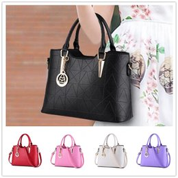 Wholesale Beaded Pewter - Brand new fashion sweet lady temperament zipper embossed women shoulder bag Messenger BAG71