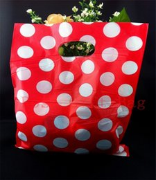 Wholesale Gift Plastic Carrier Bags - New Fashion 50pcs lot White Big Dots Red Free Shipping Plastic Useful Boutique Gift Carrier Shopping Bags 25x35cm