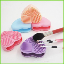 Wholesale Brush Cleaning Glove - Heart Silicone Brush Cleaner Egg Makeup Brushes Cleaner Cleaning Glove Brushegg Cosmetic Professional Make Up Brushes Tools DHL Drop Ship