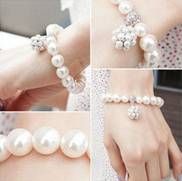 Wholesale Ladies Gift Sets Wholesale - Luxury Pearl Ball Bracelets Korean lady sweet ornaments jewelry crystal Beaded Strands Bracelets Pearl Bracelets Christmas Gift