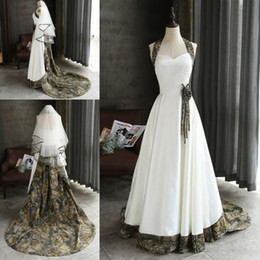 Wholesale Two Piece Halter Wedding Dresses - Camo Wedding Dresses with Veils Vintage Fashion Custom Made Chapel Train Cheap Bridal Gowns with Elbow Length Bridal veils Two Piece Set