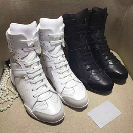 Wholesale Women S White Leather Boots - 2018women 's ankle boots genuine leather brand shoes sport style Black and white cow leather upper Sheepskin inside size:4-9