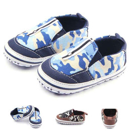 Wholesale Metal Shoe Soles - New Fashion Baby Boy Shoes Camouflage Fabric Special Lace with a Metal Button on Upper Elastic Slippers Soft Sole Infant Walking Shoes