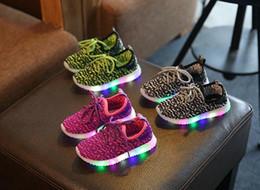 nuove scarpe moda per bambini con scarpe da ginnastica a led luminose scarpe da ginnastica luminose scarpe da ginnastica per bambini scarpe da ginnastica per bambini scarpe europee taglia: 21-30 cheap toddler girl light up shoes da bambino che accende le scarpe fornitori