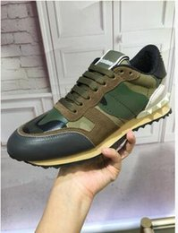 Wholesale Italy Designer Shoes - Italy Top Brand Luxury Sneakers Stud Camouflage Shoes Footwear Men,Women Flats Designer Rockrunner Trainers Casual Walking Sh