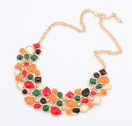 Wholesale Mixed Geometric Necklace - Vintage Geometric Stones Necklace Fashion Mixed Color Necklace Women Short Pendant Necklaces Red Black White Colors Necklace Length 45CM