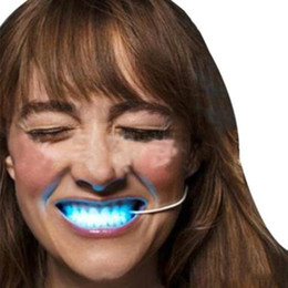 Wholesale Glowing Teeth - 2016 Hot LED Light Up Flashing Mouth Guard Piece Glow Tooth Party Halloween Prop Halloween Luminous Braces Plastic HalloweenDecorations