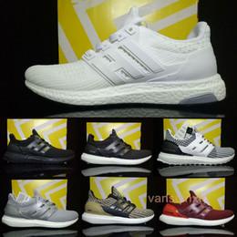 Wholesale Iv 11 - 2017 Ultra boost 4 Triple Black White Grey Running Shoes Men Women UltraBoost 4 IV Run Athletic Sports Shoes US5-11